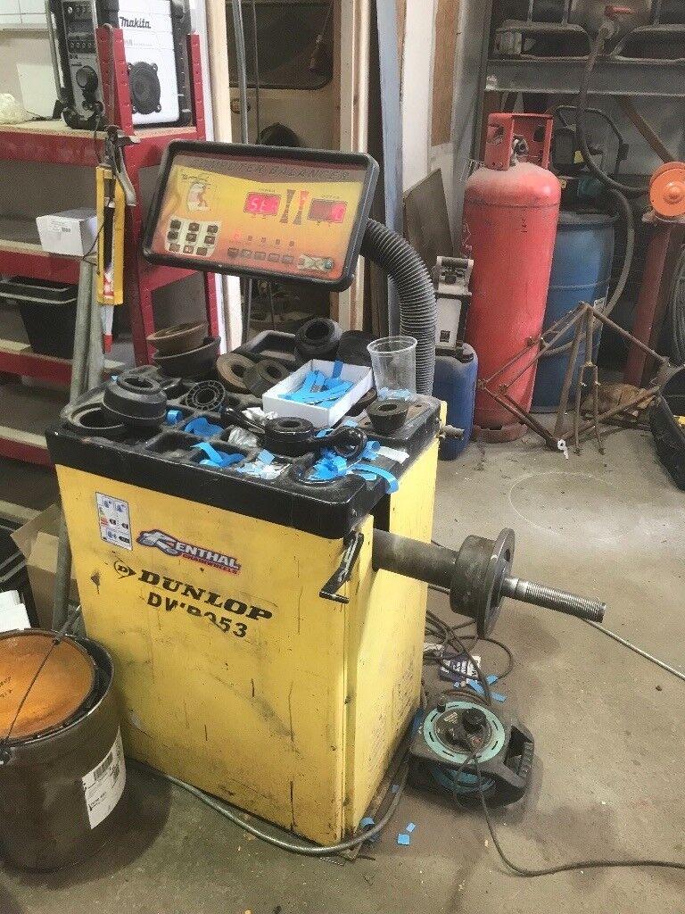 alloy wheel refurbishment machine