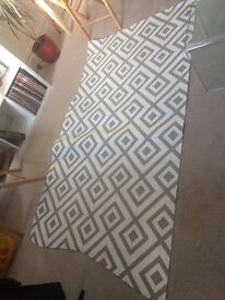 """FREE linoleum from carpet right 40"""" * 80"""" approx"""