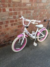 Girls bike suitable for age 5-7, ideal as a first bike to learn to ride, used condition