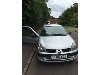 **Renault Clio, 1.1 2006 very good condition, cheap to drive, only £800