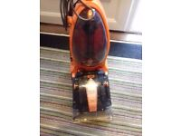 Vax carpet cleaner only used a few times excellent condition