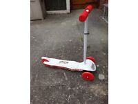 Ozbozz light burst tilt and steer kids childrens scooter
