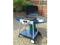 Gas BBQ with half full 13kg gas bottle