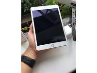 iPad mini 3 64Gb wifi great condition fully working