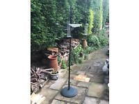 Brilliant bird table. Cats can't get the birds! Pick up only.