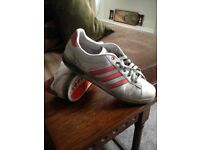 ADIDAS DERBY TRAINERS (MENS SIZE 10)