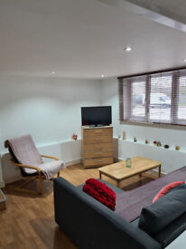 ROOM TO RENT IN TWO DOUBLE BEDROOM FLAT TO RENT IN EAST FINCHLEY