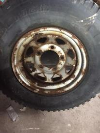 Land Rover 8 spoke rim