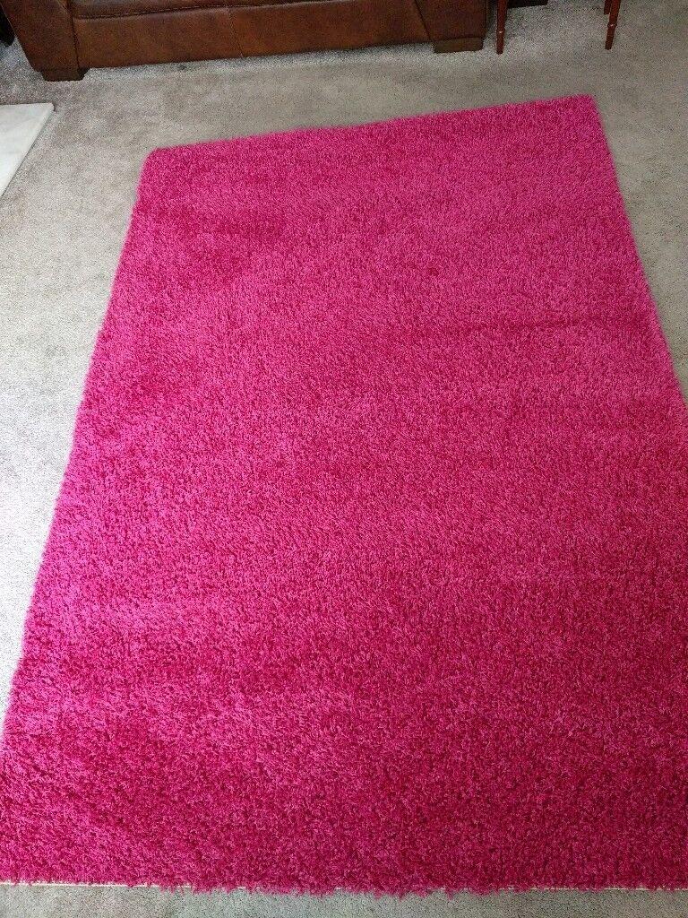 Ikea Fuschia Pink Rug Measures 133x195cm 4ft4 X6ft5