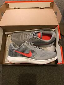 Nike revolution trainers brand new size 6