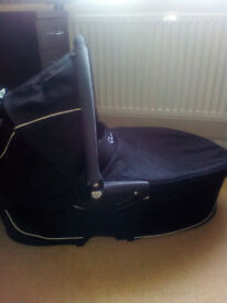 CarryCot Quinny Buzz Like NEW