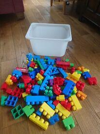 Mega Bloks 100 pieces