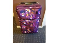 IT Large Suitcase