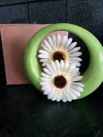 324 green vase and flowers