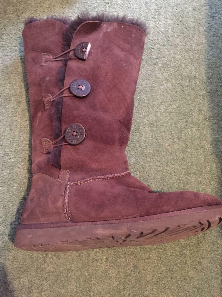 7.5 brown leather uggs