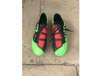 T90 football boots