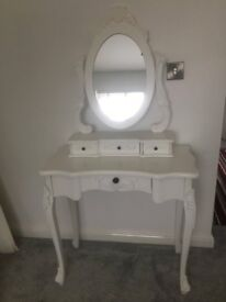 White vintage style dressing table with mirror *£150 ono*