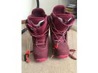 Ladies BURTON Size 7/EU 41 Snowboard Boots