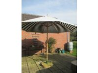 Large Traditional Parasol 11 foot diameter with base