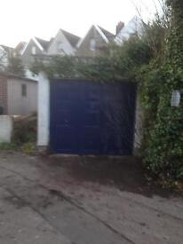 Garage// Parking in Clifton