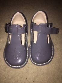 Clarks girls shoes 4G