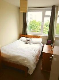 Sunny double room in Earlsfield