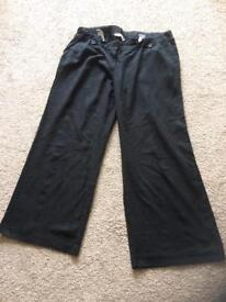 Size 16 Maternity trousers and shorts