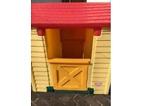 LITTLE TIKES PLAY HOUSE IN EXCELLENT CONDITION
