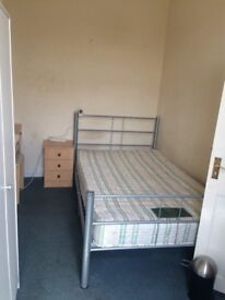 king double room and double room to rent
