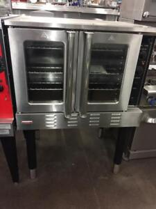 New Full Size Convection Oven With Double Glass Doors - Natural Gas/Propane