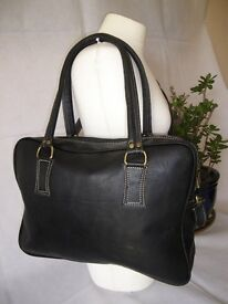 100 % GENUINE LEATHER HANDBAG / SHOULDER BAG TOTE WOMEN'S LEATHER BAG UNIQUE WOMEN'S BAG