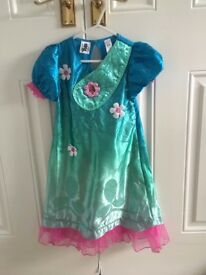 Trolls Poppy Dress with Music and Wig, 5-6 years