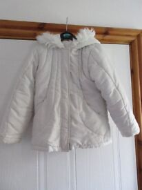 MOTHERCARE WHITE FURRY GIRLS COAT + hood / pockets /lined BEAUTIFUL Age 6-7 REDUCED AGAIN ONLY £4.50