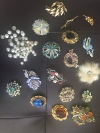 Selection of Vintage and new costume Jewellery