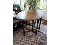 Ocassional wooden table