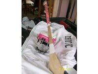 PINK HELMET AND HURLY BAT SIZE 30