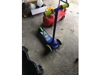 3 wheel scooter £5