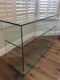 Glass display cabinet (habitat)