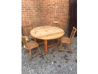 Very Solid Pine Gateleg Table and 4 Chairs, DELIVERY POSSIBLE.