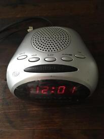 Working DURABRAND Radio Alarm Clock