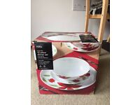 George Home 12 Piece Dinner set New boxed
