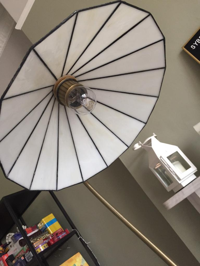 Floor lampin Clapham, LondonGumtree - Fully working floor lamp. Base dimension is 10 inches and frame is 61inches high
