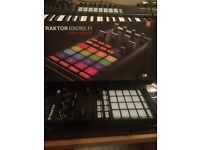 Native Instruments F1 Remix decks controller