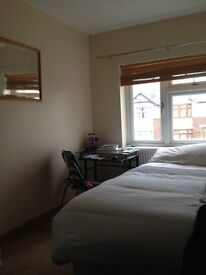 Lovely Room in Cowley £ 530 ppm all included