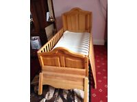 COT BED, WOODEN MAMA & PAPAS