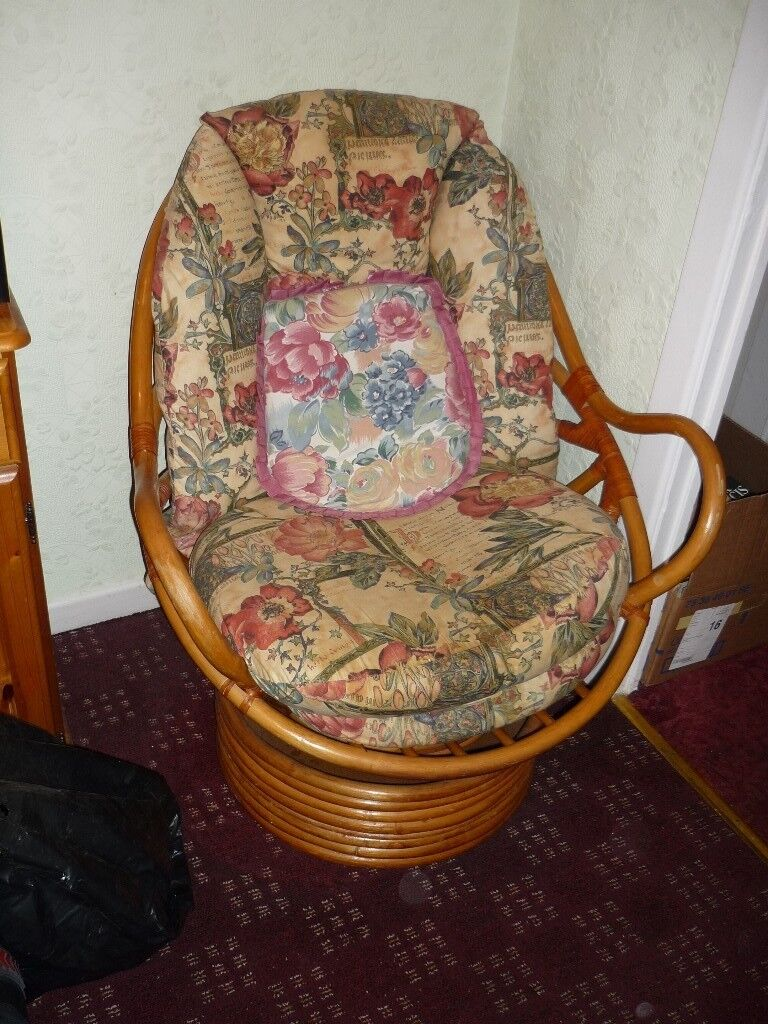 2 matching Cane sprung Floral rocking chairs for Lounge Conservatory etc - 2 Matching Cane Sprung Floral Rocking Chairs For Lounge Conservatory