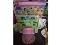 Retro Barbie radio doll house + box
