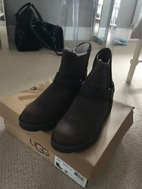 UGG - 100% AUTHENTIC LADIES UGG BOOTS - SIZE 6.5 - NEVER WORN - RRP £150 SELLING FOR £80