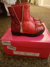 Baby girl Red paton & glitter boots Size 4