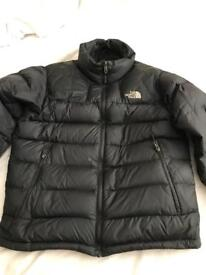 Men's North Face puffer coat, Size Medium